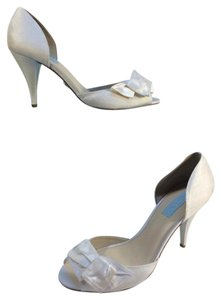 Betsey Johnson Ivory Blue By Lily Open Toe Sandals Size US 9.5 Regular (M, B)
