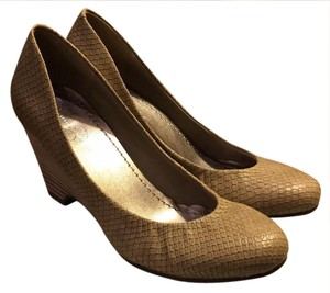 Jessica Simpson taupe- fish scale Wedges