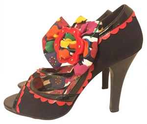 Betsey Johnson Black/Multi Pumps