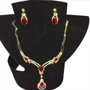 Necklace & matching earing