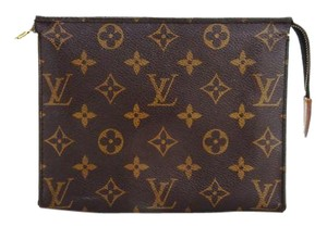 Louis Vuitton Pochette 18 Monogram Canvas Toiletry Cosmetics Travel Dopp Bag