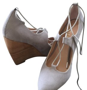 Charles David STNGREY Pumps