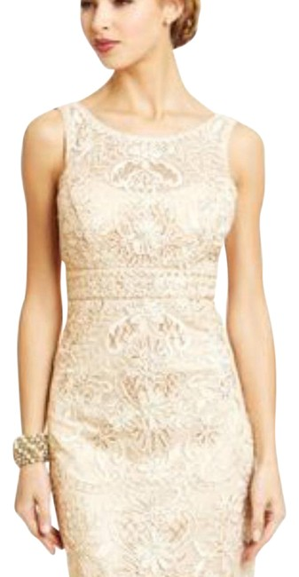 Preload https://img-static.tradesy.com/item/21124273/sue-wong-gold-golden-lace-mid-length-cocktail-dress-size-6-s-0-4-650-650.jpg