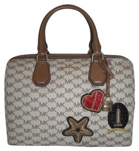 Michael Kors Logo Duffle Canvas Leather Satchel in Natural/luggage