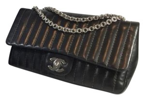 Chanel vertical stitched single flap Cross Body Bag