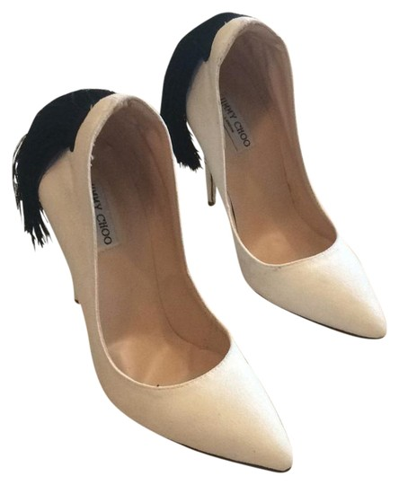 Preload https://img-static.tradesy.com/item/21125569/jimmy-choo-white-suede-pumps-size-us-55-regular-m-b-0-1-540-540.jpg