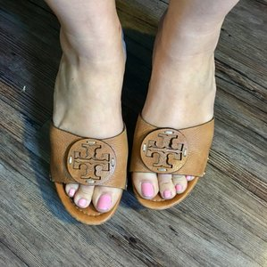 Tory Burch Camel/light brown Wedges