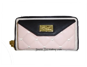 Betsey Johnson LUV BETSEY WALLET ON A STRING/BONE/BLUSH /CELL PHONE POCKET