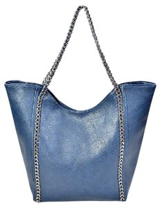 SHINY CHAIN Tote in Navy