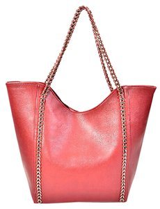 SHINY CHAIN Tote in Red