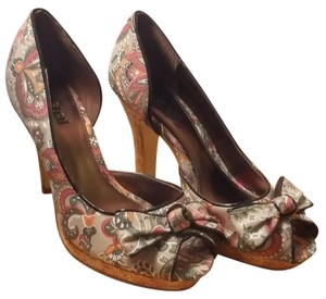 Unlisted by Kenneth Cole Peep Toe Paisley Bow Paisley Chic multicolored Pumps