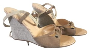Tod's Tan Suede Wedges