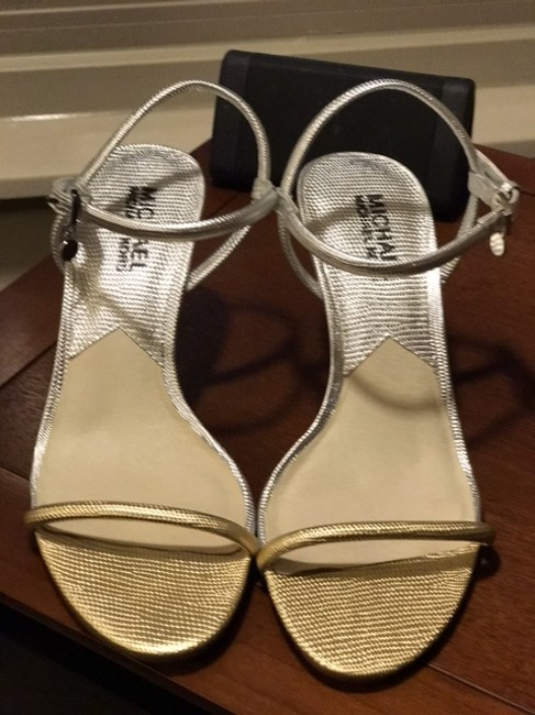 Item - Silver/ Gold Leather Thin Strap Formal Shoes Size US 7 Regular (M, B)
