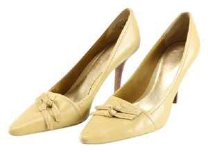 Nine West Leather Stitched mustard / yellow Pumps