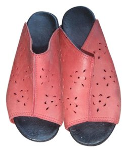 Dansko Sandal Wedges Pink-Red/Black Mules