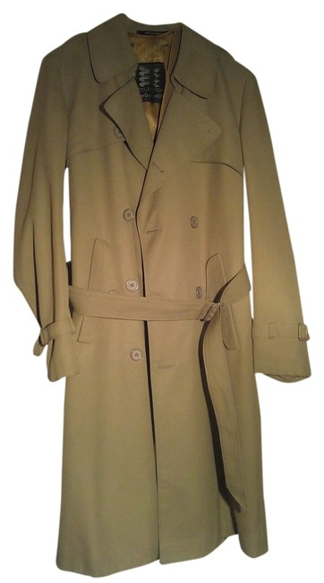 Preload https://item1.tradesy.com/images/burberry-beige-woman-s-trench-coat-size-10-m-2113025-0-0.jpg?width=400&height=650