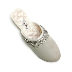 luxe me now cream Flats