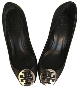 Tory Burch Pump Sally Peep Toe black/silver Wedges