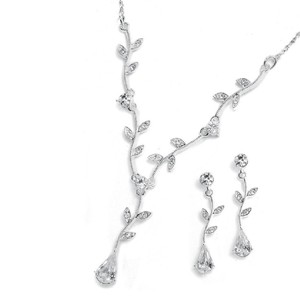 Mariell Mariell Crystal Bridesmaid Or Prom Necklace Set With Vine 580s-cr