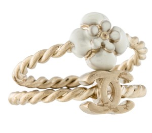 Chanel Gold-tone Chanel interlocking CC camellia twist ring set 6 4.5