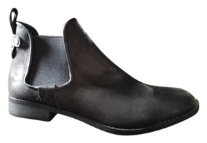 Mossimo Supply Co. Chelsea Black Boots