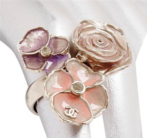 Chanel CC Pastel Painted CAMELLIA Gold Tone Costume RING