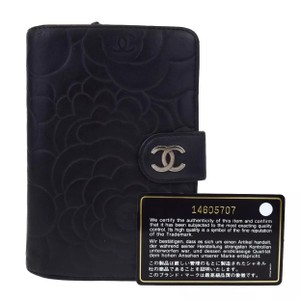 Chanel camellia cc soft leather Lam skin bifold snap wallet