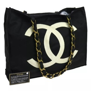 Chanel Tote in Black White