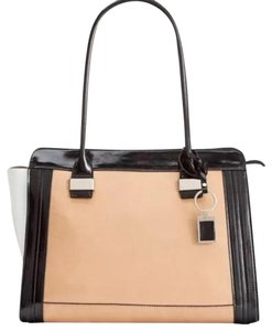 Giani Bernini Tote in Camel, Black and White.
