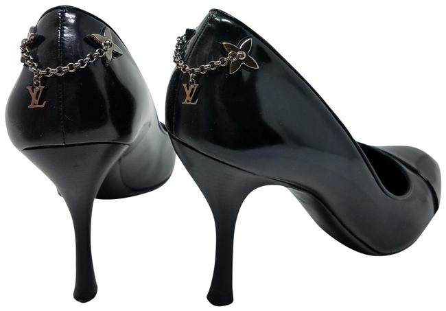 Item - Black Silver Leather with Lv Monogram Charms Pumps Size EU 40 (Approx. US 10) Regular (M, B)