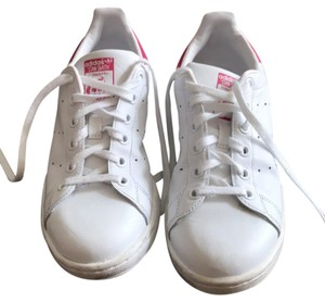 Stan Smith white with pink ankle Athletic