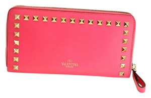 Valentino New Rockstud zippy continental wallet