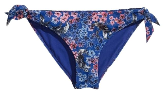 Preload https://img-static.tradesy.com/item/2114039/h-and-m-floral-retro-topbottom-bandeau-halter-pin-up-bikini-set-size-8-m-0-0-650-650.jpg