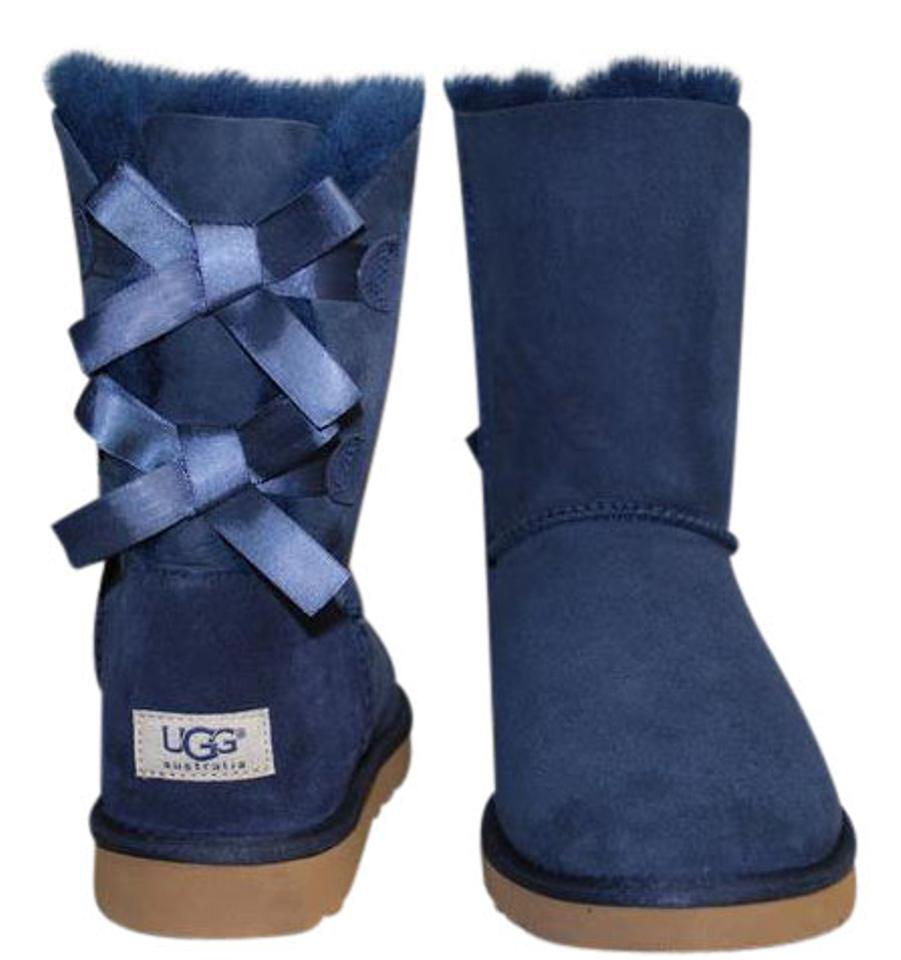 cfe8c3aa79d UGG Australia Navy Blue Classic Short Bailey Bow Suede/Sheepskin Women  1002954 Boots/Booties Size US 9 Regular (M, B) 29% off retail