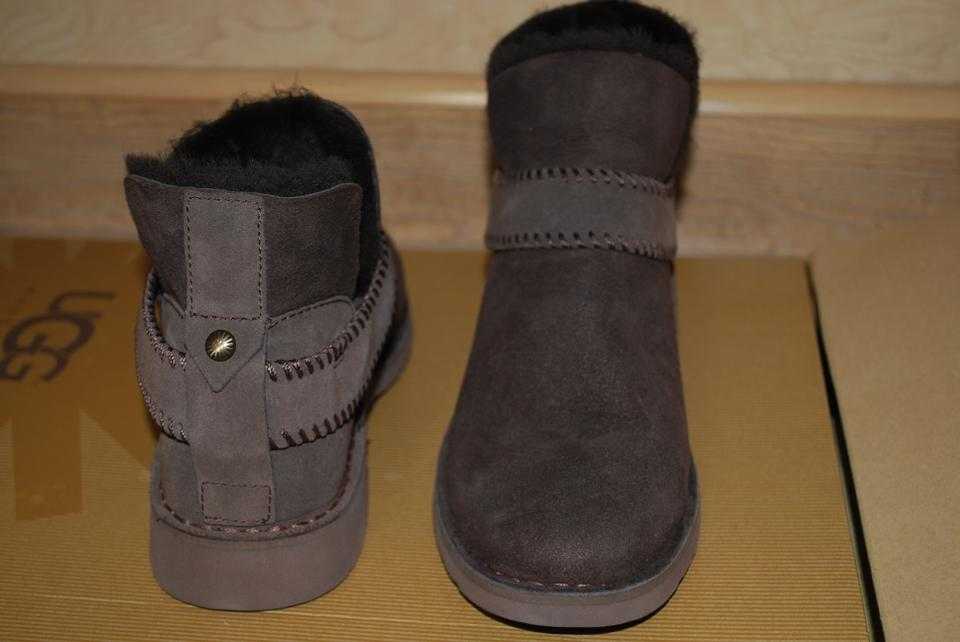 60cb21276e9 UGG Australia Chocolate Mckay Suede/Sheepskin Ankle Women 1012358  Boots/Booties Size US 6.5 Regular (M, B) 16% off retail