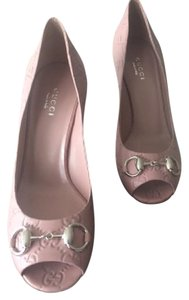 Gucci Rose Pumps