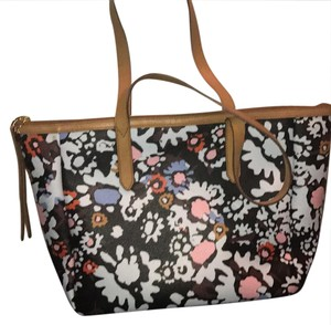 Fossil Tote in black with floral print