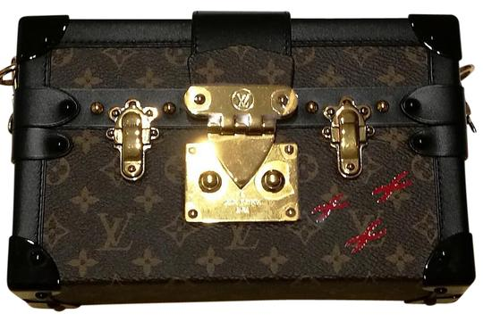 Preload https://item2.tradesy.com/images/louis-vuitton-malle-petite-monogram-008697-brown-canvas-calfskin-leather-cross-body-bag-21142651-0-1.jpg?width=440&height=440