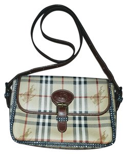 078e9619e7b4 Burberry Crossbody Bags - Up to 70% off at Tradesy (Page 3)