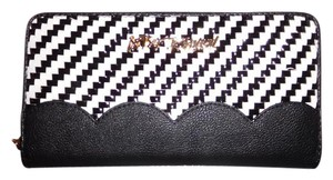 Betsey Johnson ZIP AROUND BLACK / woven front and back / black scalloped TRIM WALLET