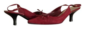 Predictions BURGUNDY Pumps