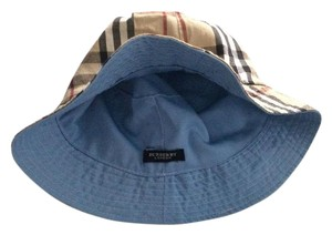 Burberry Burberry Women Reversible Blue and Nova Check Hat
