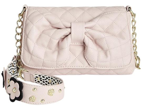 Preload https://img-static.tradesy.com/item/21144147/betsey-johnson-blush-floral-quilted-bow-front-pink-synthetic-shoulder-bag-0-1-540-540.jpg