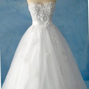 Alfred Angelo Snow White Wedding Dress