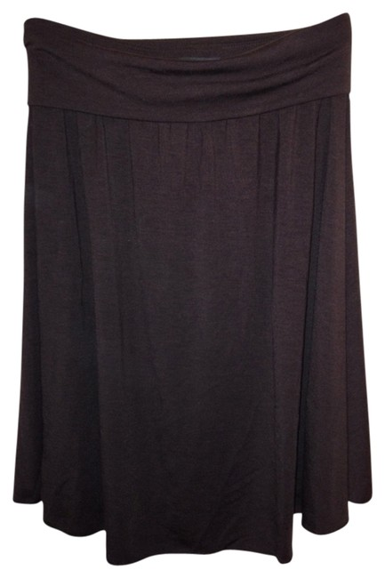 Preload https://item5.tradesy.com/images/banana-republic-brown-stretchy-casual-knee-length-skirt-size-2-xs-26-2114449-0-0.jpg?width=400&height=650