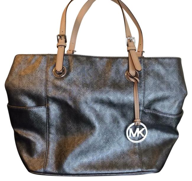 Item - Metallic Silver But Subtle Not Shiny Leather Tote