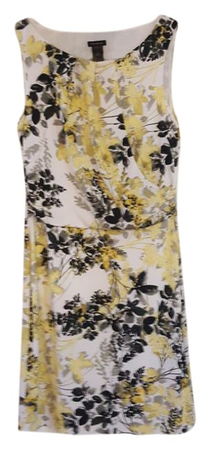 Preload https://img-static.tradesy.com/item/21144759/ann-taylor-white-yellow-black-and-floral-sleeveless-mid-length-short-casual-dress-size-8-m-0-1-650-650.jpg