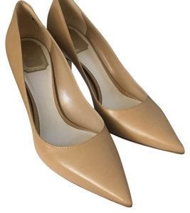 Dior Pointed Toe Christian nude Pumps