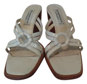 Claudia Ciuti Stacked Heel Vintage Cool Comfortable White Sandals