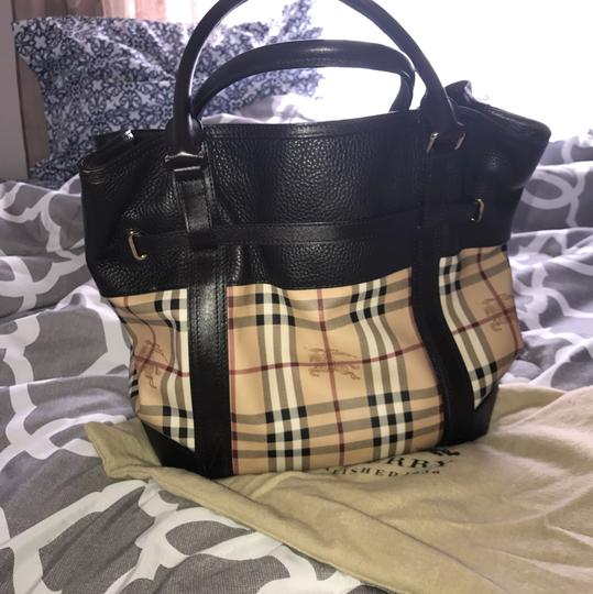 Burberry Satchel Satchel in brown tan Image 2